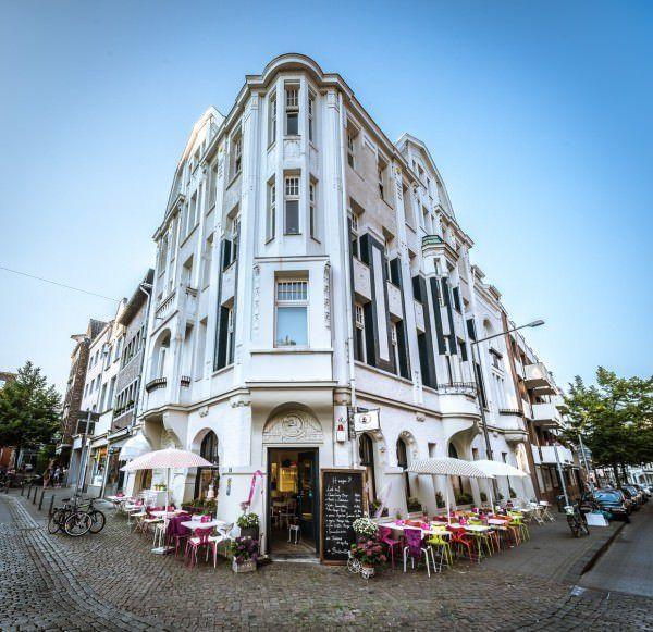 Barbarella Café